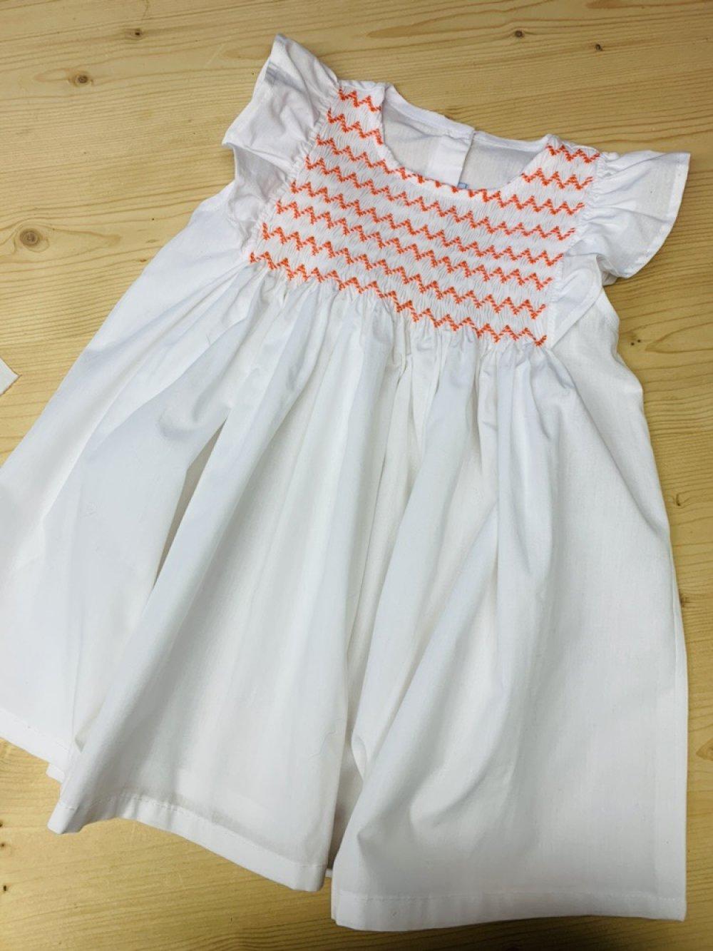 Tunique smockée blanche et orange