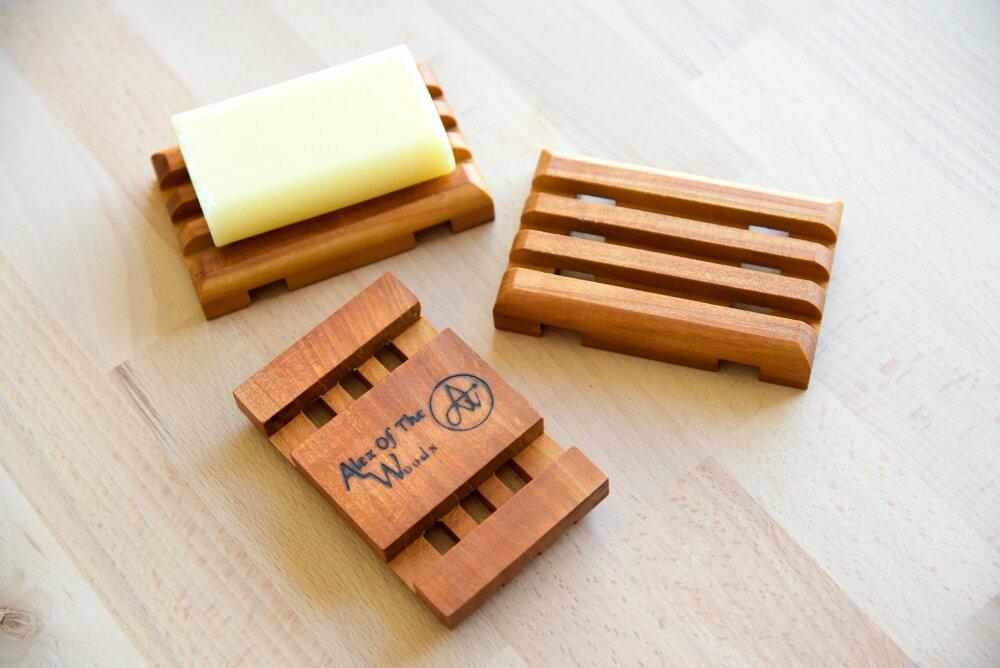 Porte-savon en bois, réutilisable et esthétique.