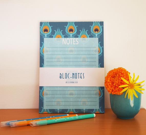Bloc notes avec motif bleu, plume de paon