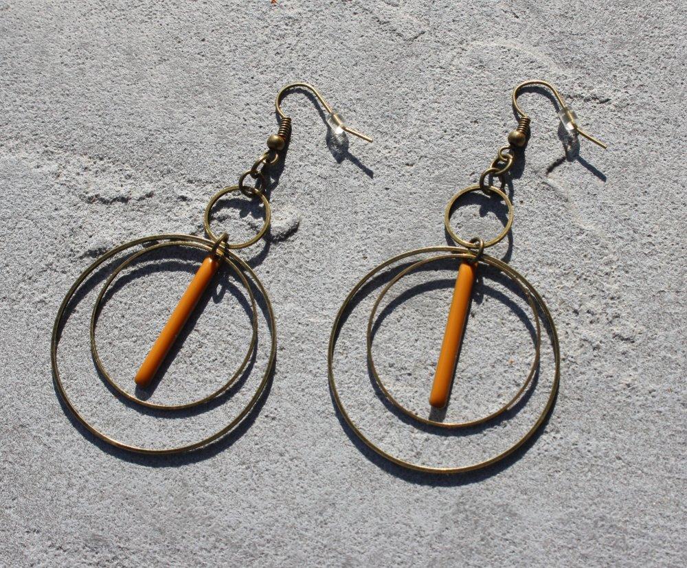 Boucles d'oreilles ethnique jaune dormeuses bronze Antique sequin émaillé breloques anneaux tige style bohème