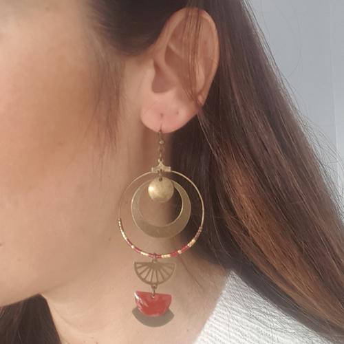 Boucles d'oreilles créoles rouge bordeaux et bronze antique, sequin émaillé, breloque éventail anneaux ethnique bohème