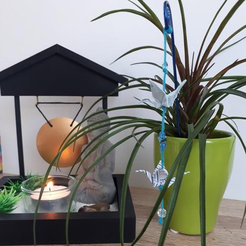 Pique plante origami grue