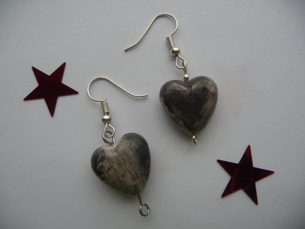 Boucles d'oreilles coeur gris