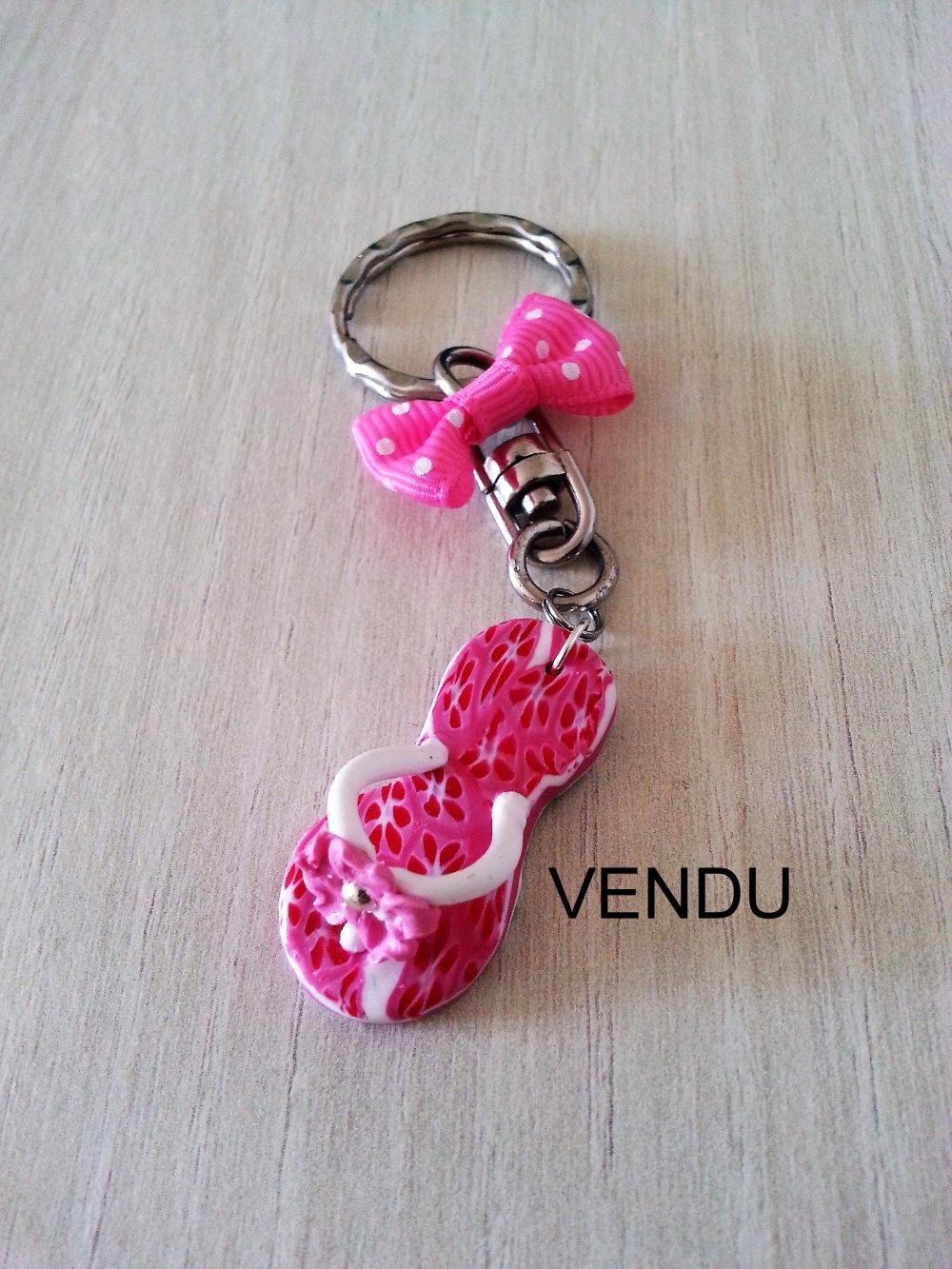 Accessoire de mode / Bijou de sac / Porte-clés tong et fleurs en pâte polymère