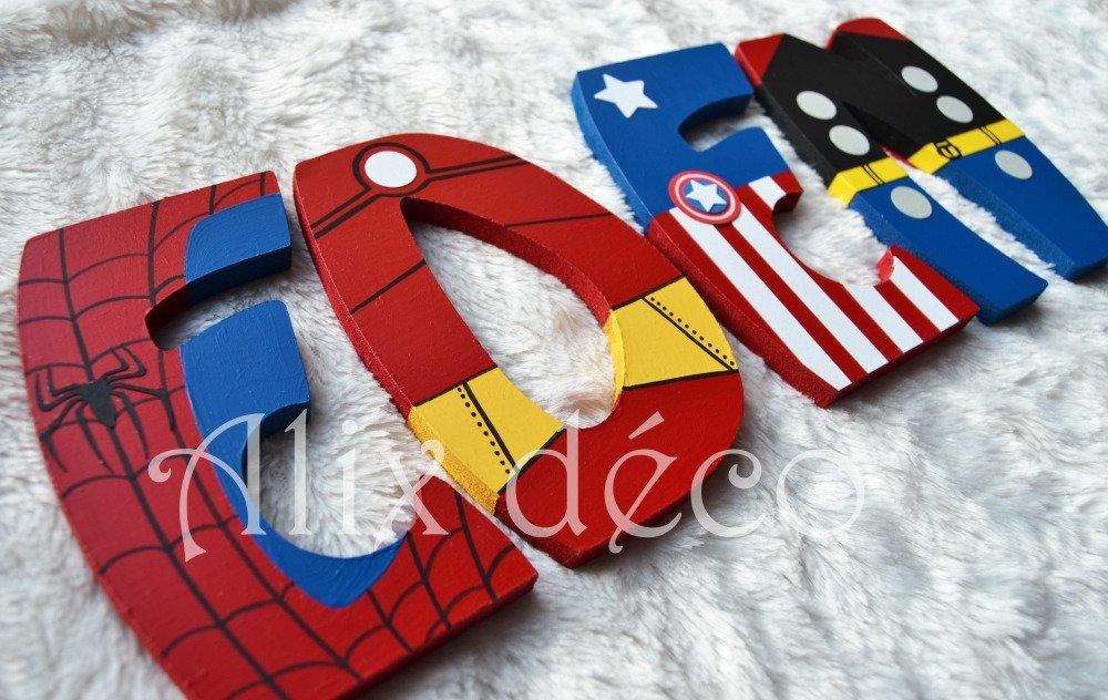 Lettres en bois, prénom enfant en bois, décoration super héros, décoration marvel, superman, batman, cadeau naissance (sur commande)