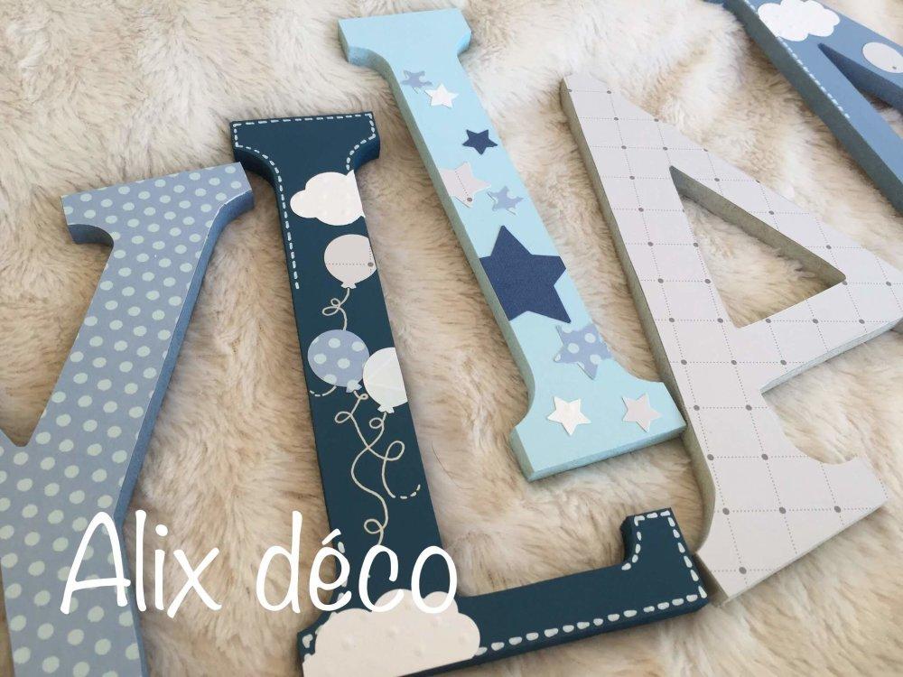 Lettres en bois, prénom enfant en bois, décoration étoiles, décoration nuages, winnie l'ourson, cadeau naissance (sur commande)