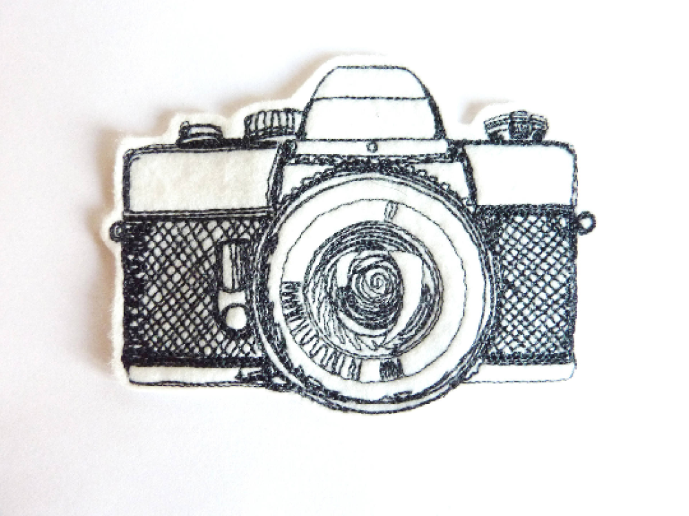Appareil photo croquis thermocollant, embroidery patch (camera)