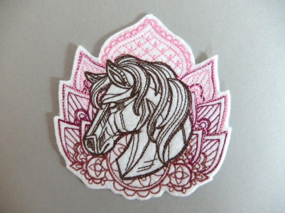 Broderie machine d'une tête de cheval, écusson thermocollant, embroidery patch