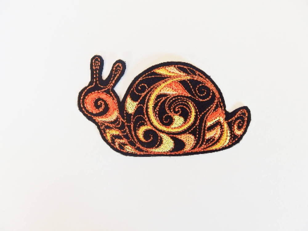 Patch, écusson, broderie thermocollante, thermocollant, escargot, embroidery patch (snaill)