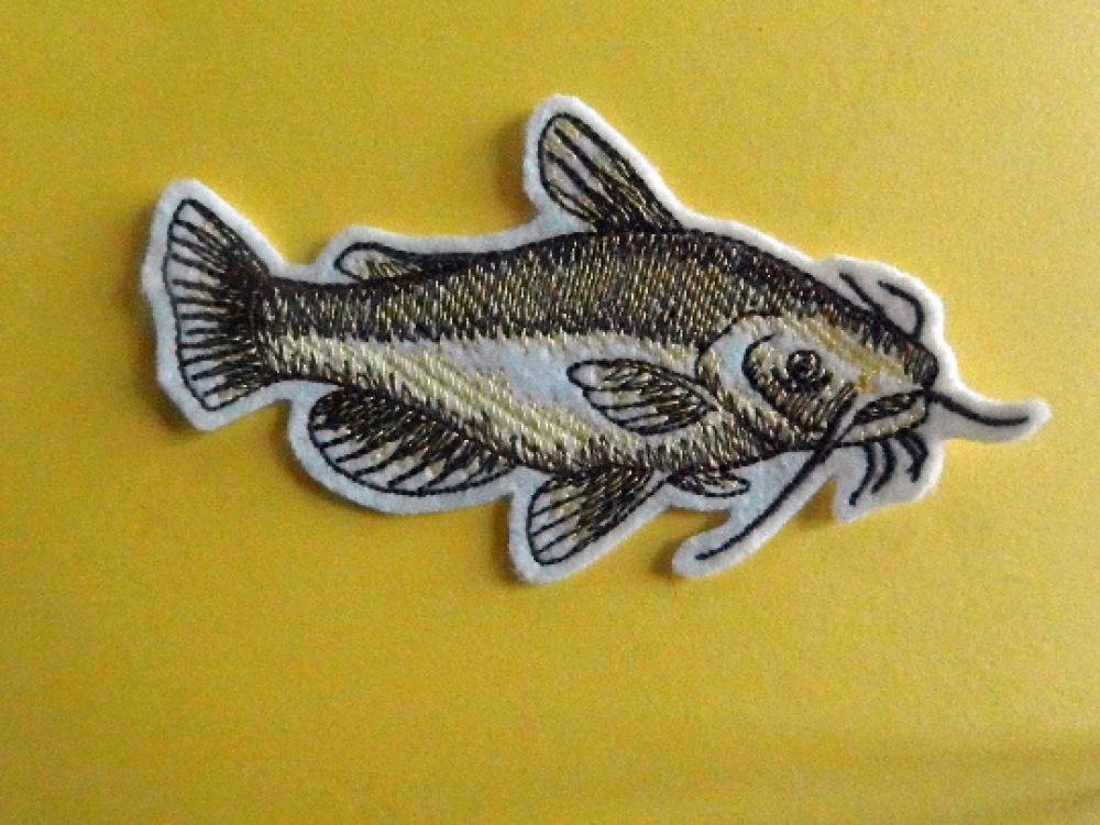 Broderie machine,broderie thermocollante,patch thermocollant,poisson thermocollant,embroidery patch (fish)