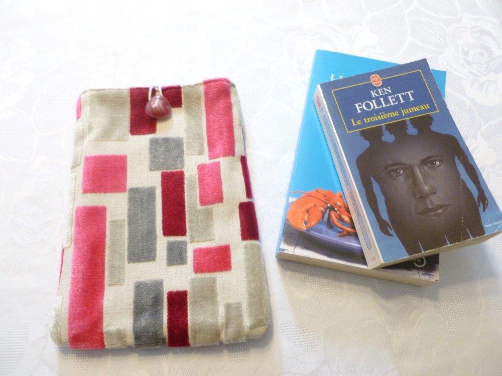 Housse/pochette/étui pour livre, tablette,liseuse,  en tissu d'ameublement camaieu de rose et gris doublé coton assorti