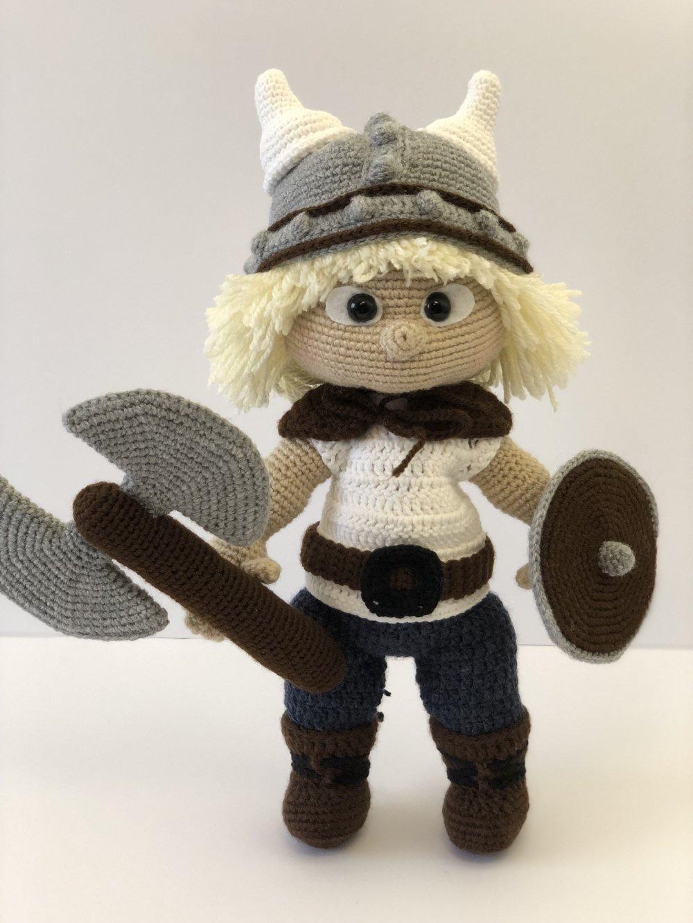 Winter Viking 01 | Crochet dolls, Cute crochet, Crochet projects | 1333x1000