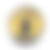 Bouton pression snap 18mm chat noir sur fond jaune et traces de pattes