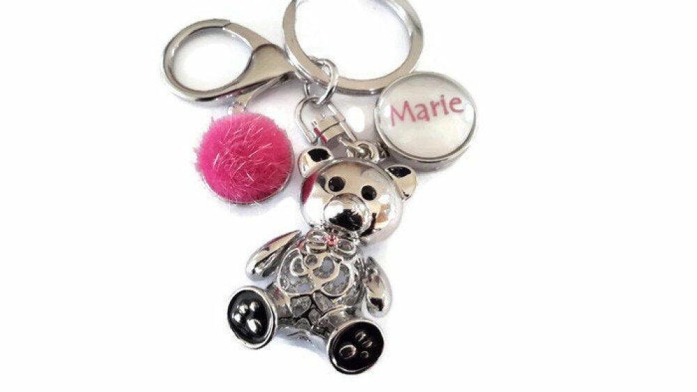 Porte clé snap 18mm ourson et ses 2 boutons pression : à fourrure rose et l'autre avec le prénom de votre choix
