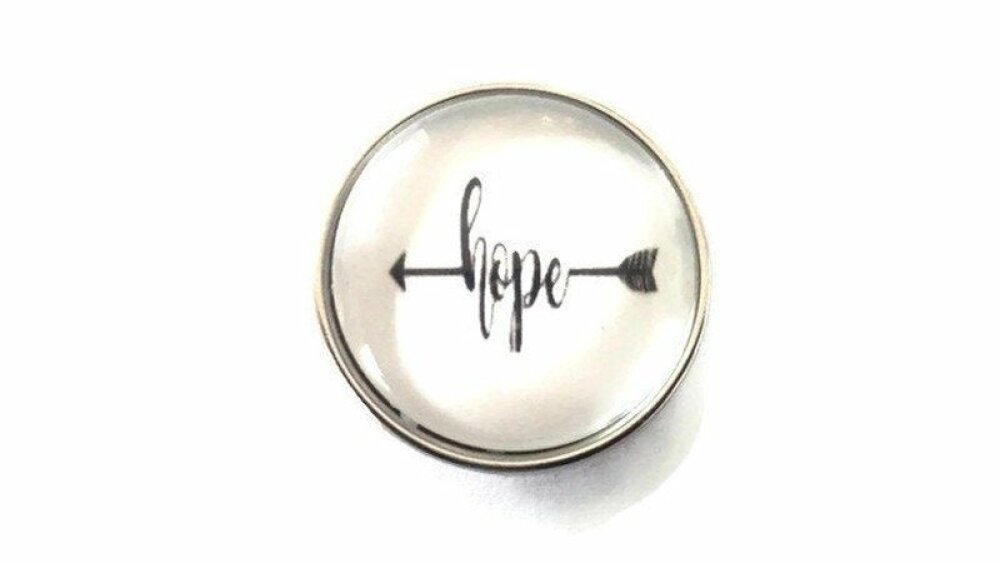 bouton pression à cabochon de verre flèche hope noir et blanc