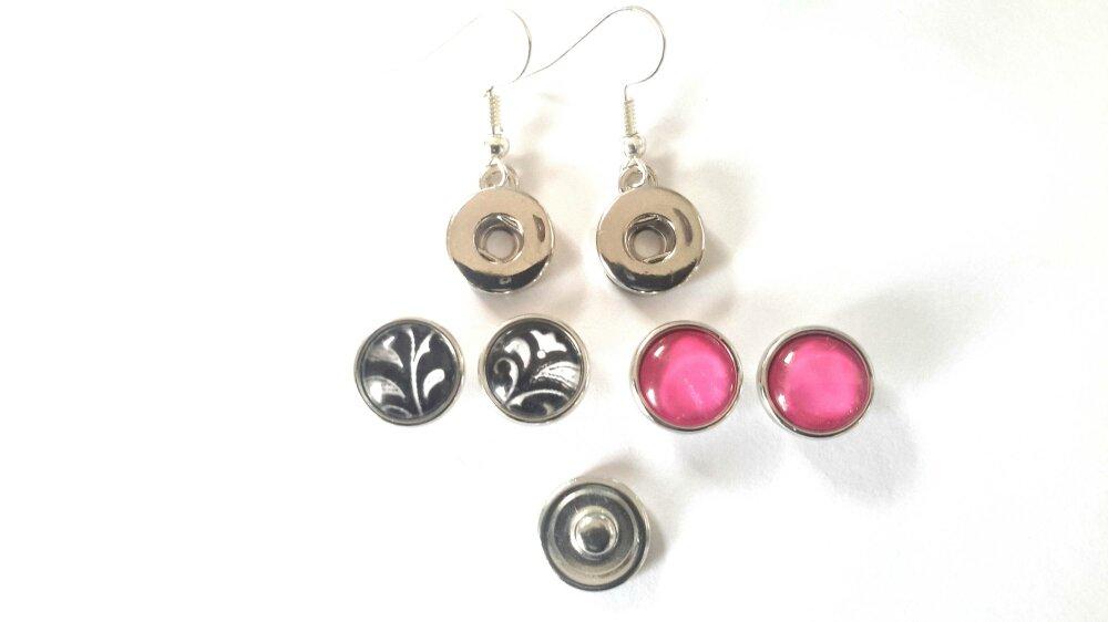Boucles d'oreilles à boutons pression snap 12mm et ses 2 paires de boutons pression  rose et floral blanc sur fond noir