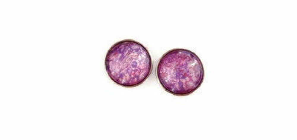 Paire de boutons pression à cabochon de verre 18mm abstrait violet, rose et blanc nacré.