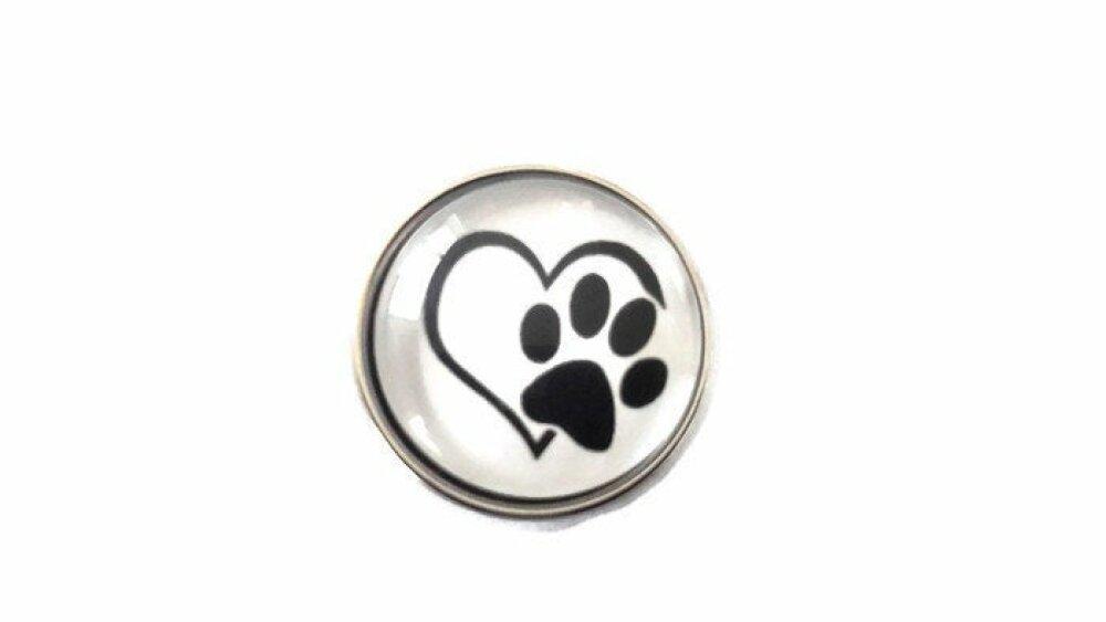 bouton pression à cabochon de verre infini coeur et trace de patte en noir et blanc