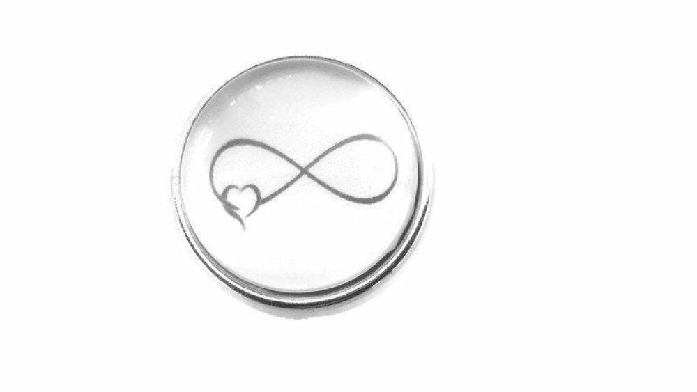 Bouton pression snap 18mm symbole infini avec un coeur en noir et blanc