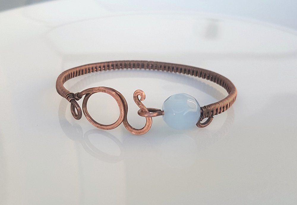 Bracelet cuivre et perle de verre bleu