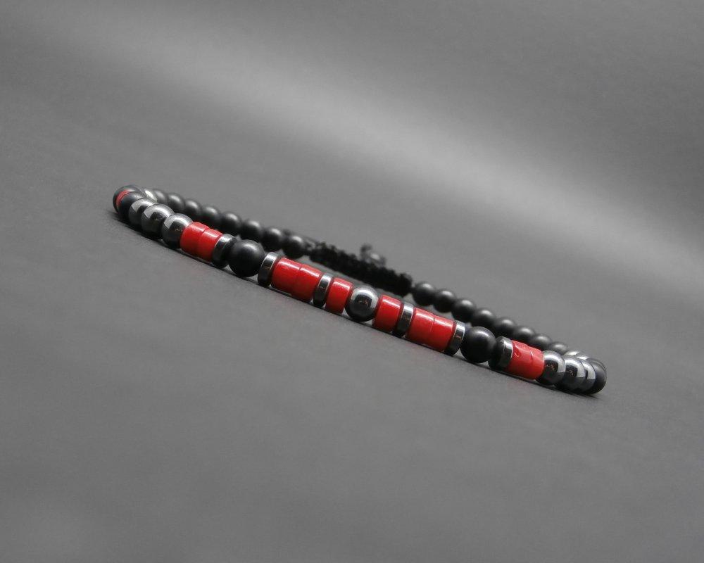 Bracelet fin homme, rondelles en corail rouge naturel, pierres naturelles, hématite, onyx noir mat Ø 4 mm R760