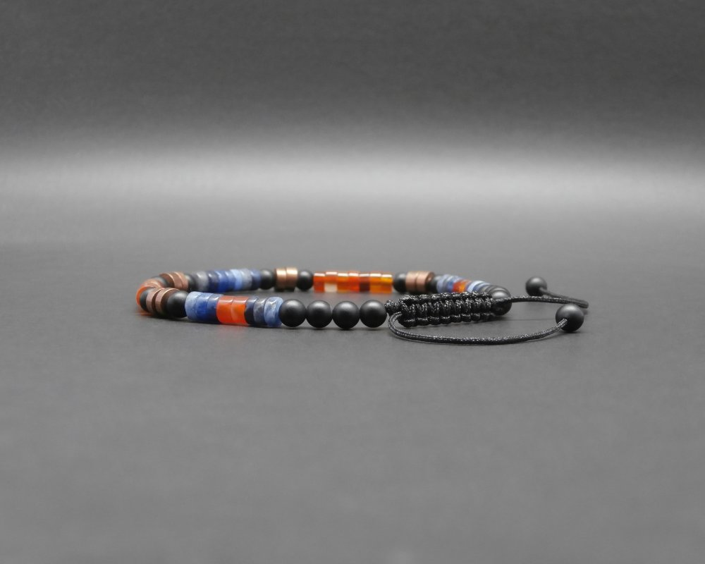 Bracelet fin homme, tressé, rondelles heishi en sodalite, cornaline naturelle, gemmes, onyx mat, disques en cuivre vieilli Ø 4 mm R983