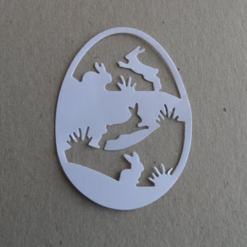 Embellissement scrapbooking , découpe thème pâques :  forme œuf avec découpe lapins