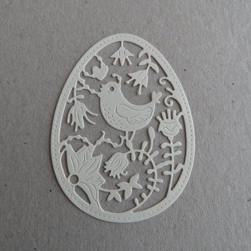 Embellissement scrapbooking , découpe thème pâques :  forme œuf avec découpe poule et fleurs