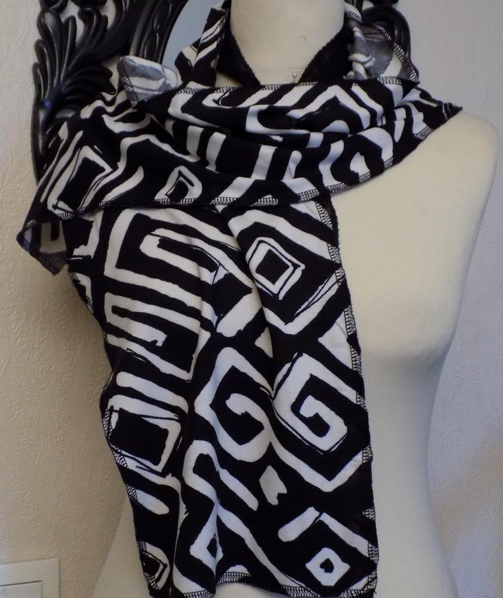 Écharpe fine,en tissu viscose et élasthanne,motifs losange,de couleur blanche et noir,écharpe femme