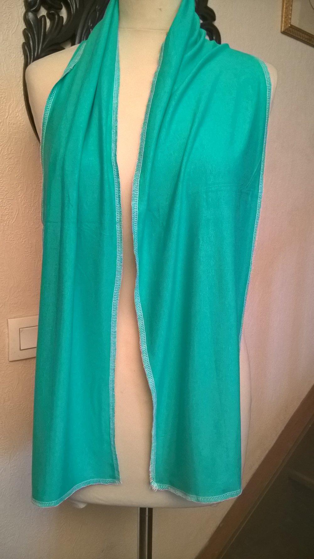 Écharpe fine,en tissu de viscose et élasthanne,de couleur verte,écharpe femme
