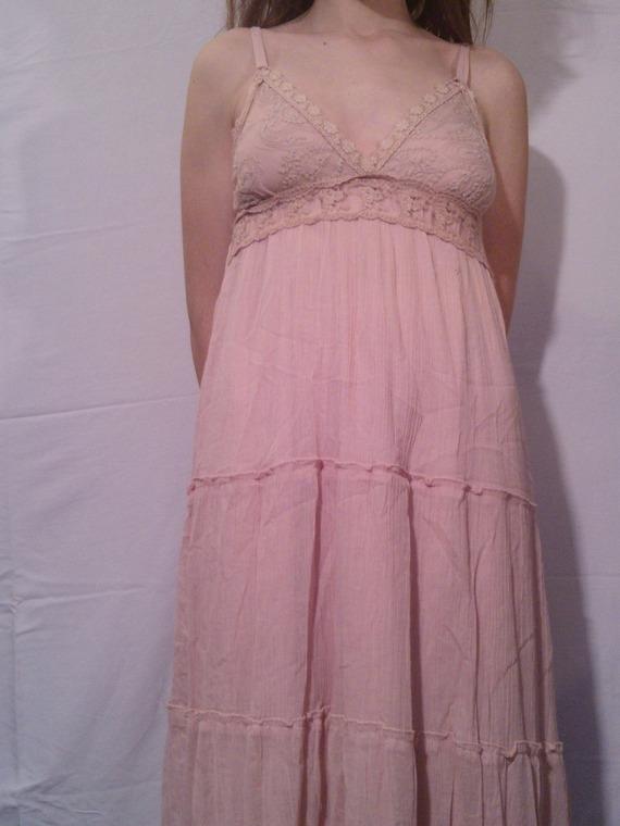 Robe longue en coton et dentelle rose