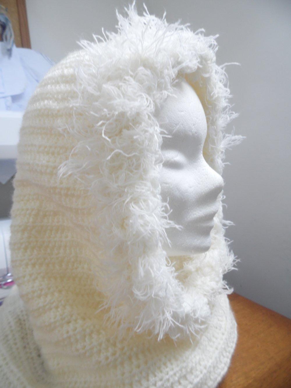 Col cagoule blanc cassé, cagoule femme, col capuche, col au crochet