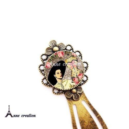 Marque-page  femme rétro chapeau mannequin de couture noeud fleur