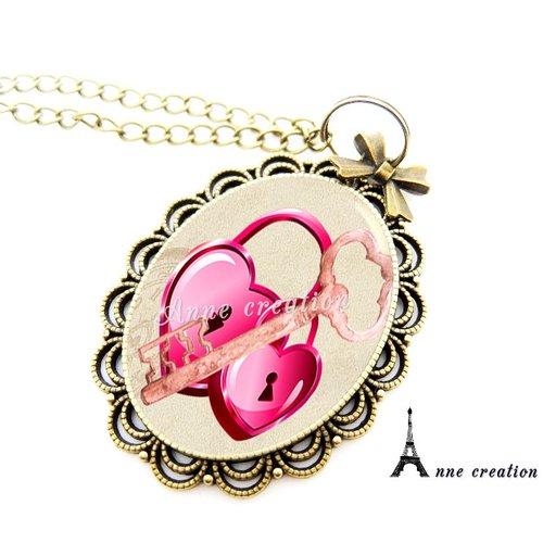 Collier cadenas coeur grande clé rose