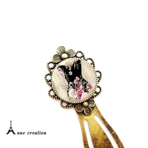 Marque-page rétro corset noir fleuri