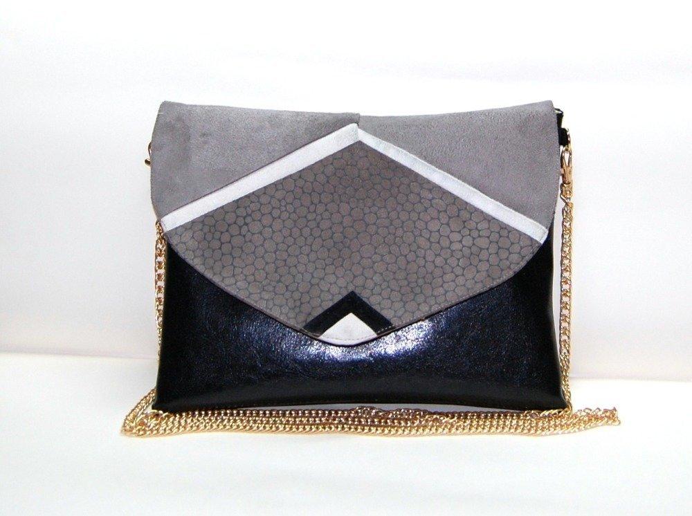Pochette enveloppe Origami, pochette soirée, pochette mariage, sac à main, suédine taupe et simili cuir noire - Après la Plage ©