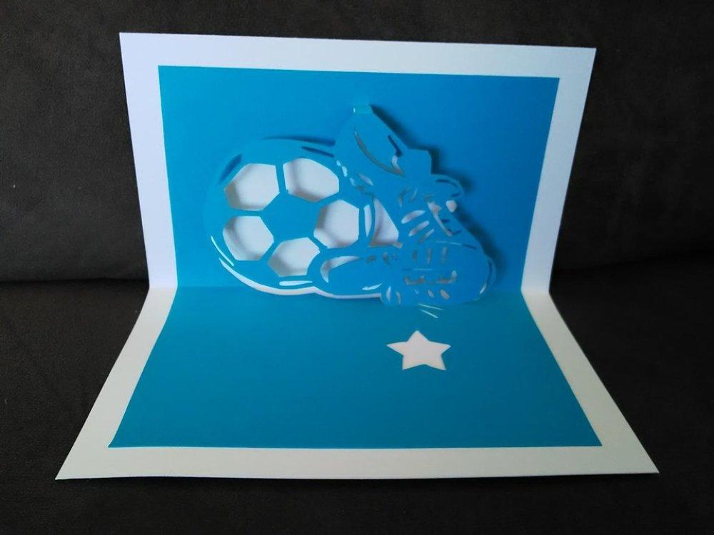 Carte foot en 3D kirigami Pop Up Footballeur Anniversaire