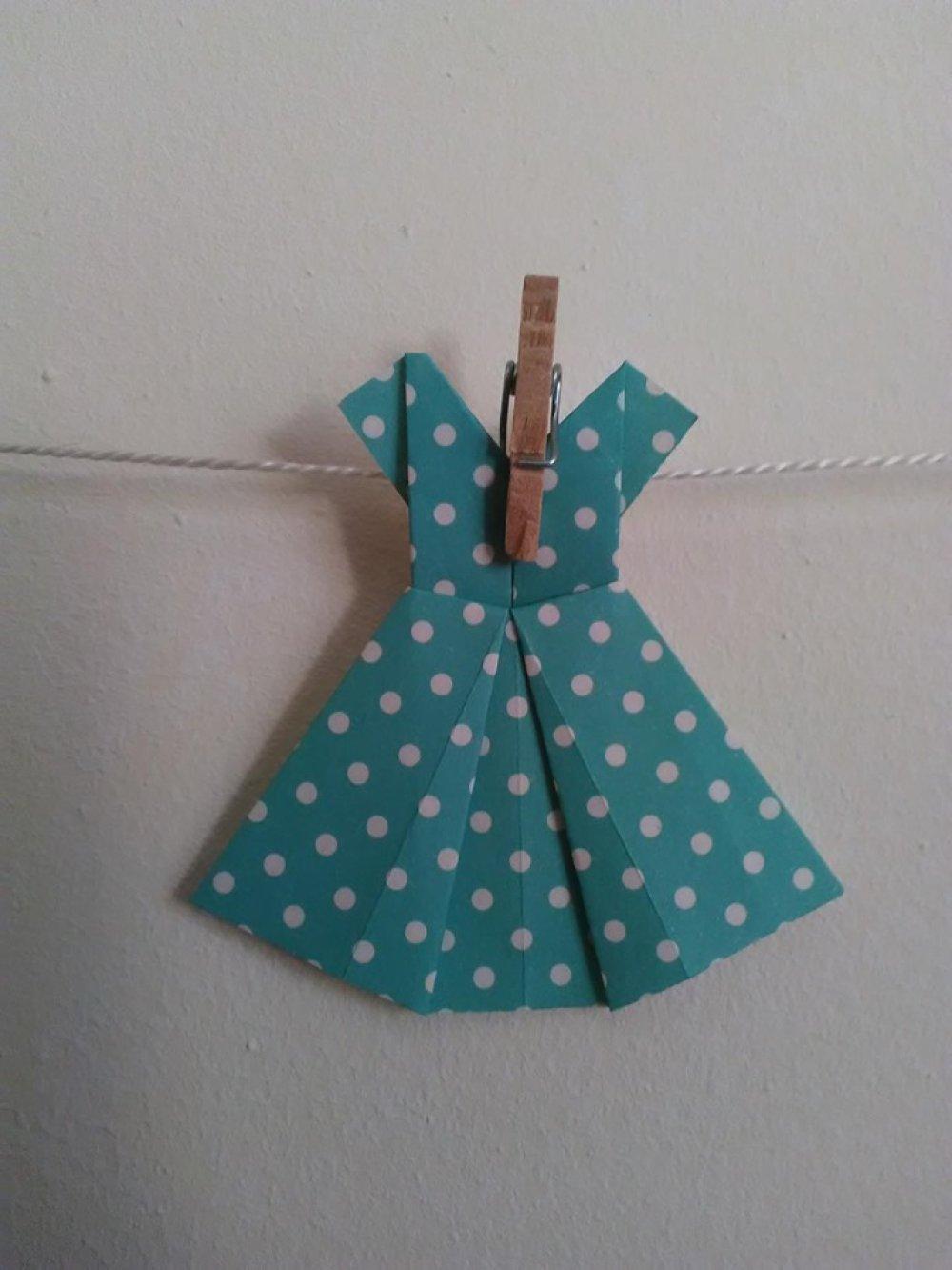 Guirlande de 5 robes en origami Idée cadeau naissance, baptême, fille etc...