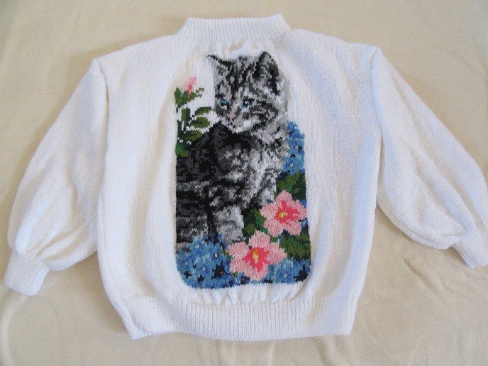 Pull Chat fleuri tricot fait main.Peinture aux aiguilles.