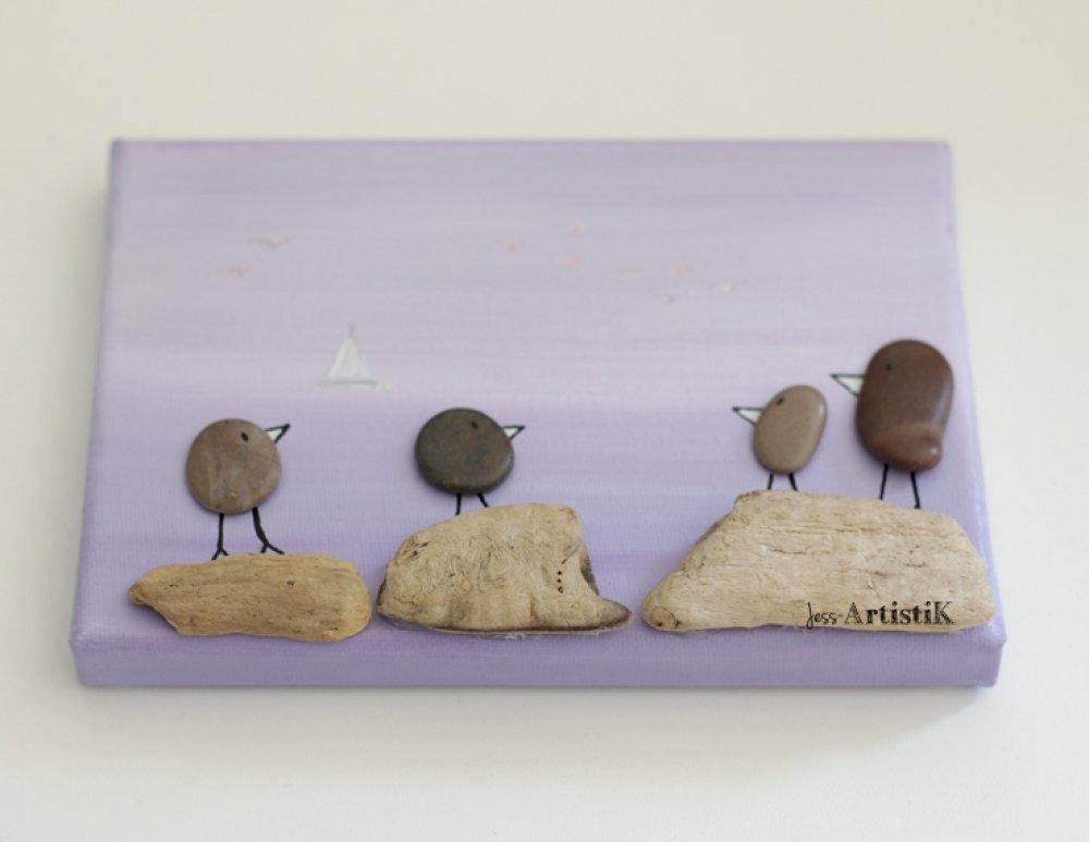 tableau galets bois flotté, tableau parme mer famille oiseaux