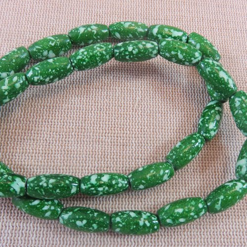 Perles ovale verte en bois tacheté 15mmx7mm - lot de 10