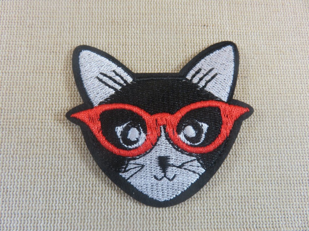 Patch chat thermocollant écusson avec lunette rouge