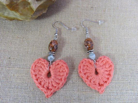 Boucles d'oreille textile cœur abricot au crochet bijoux femme