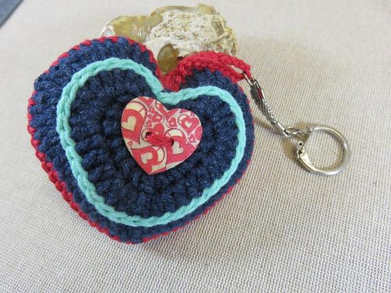 Bijoux de sac coeur en coton au crochet porte clés Saint-Valentin boutons coeur bois fait-main