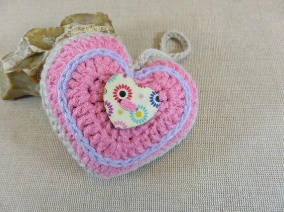 coeur en coton au crochet décoration bijoux de sac Saint-Valentin boutons coeur bois fait-main