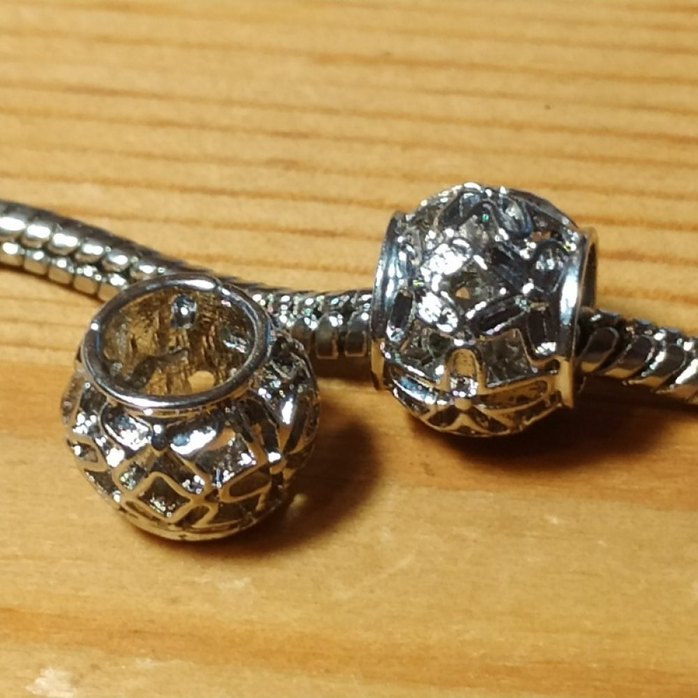 """Perle européenne charms ajourée """"fleurs"""" 10x8mm en métal argenté pour bracelet ou collier style européen style Pandora"""