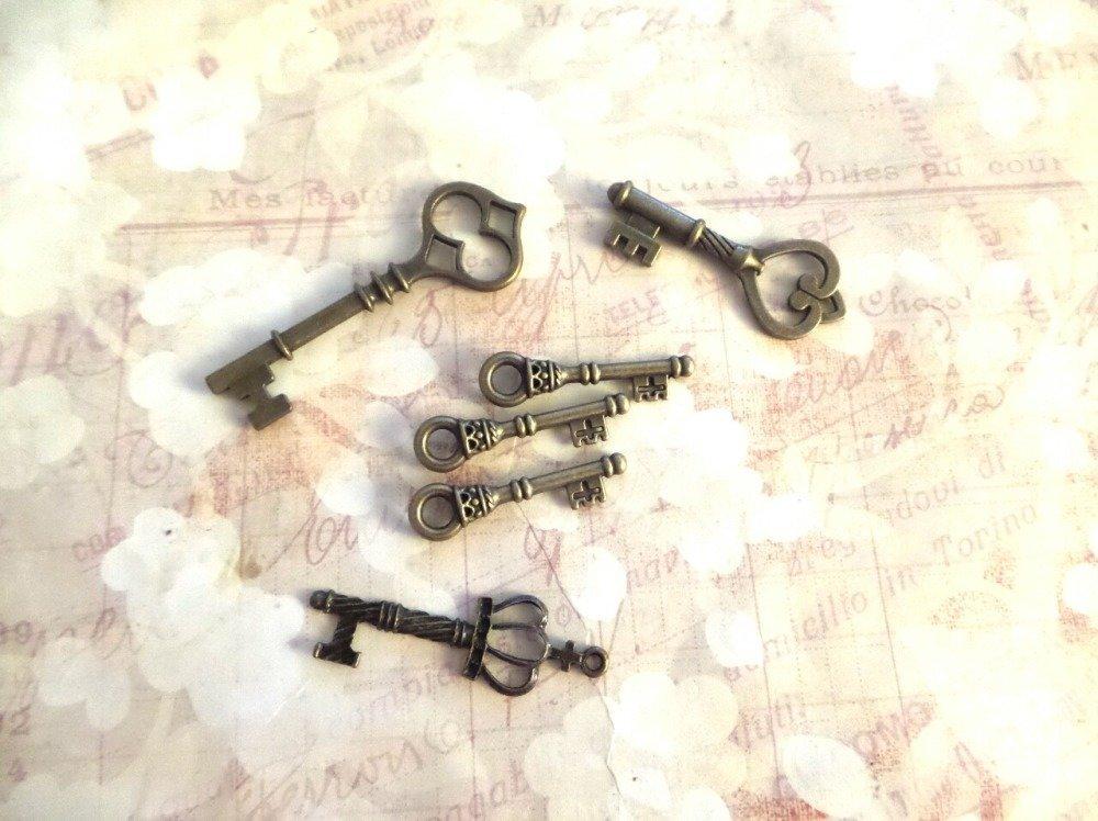 Lot de breloques clés