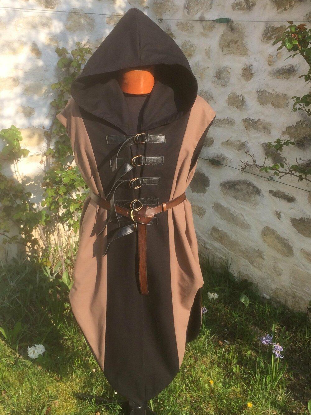 Tabard homme à capuche pour cosplay, costume steampunk et gothique, veste medievale fantastique, tenue viking, voleur, archer, elfe