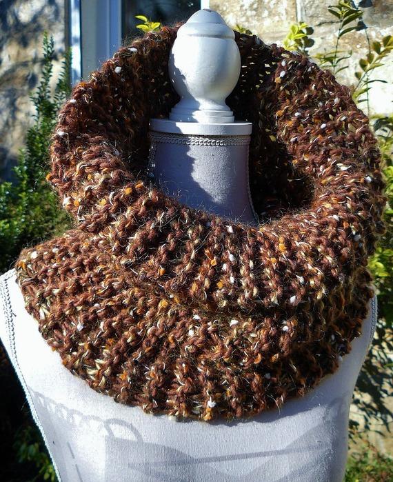 Noisettes ✿ Snood - col tricoté main dans 2 fils Phildar - marron & doré