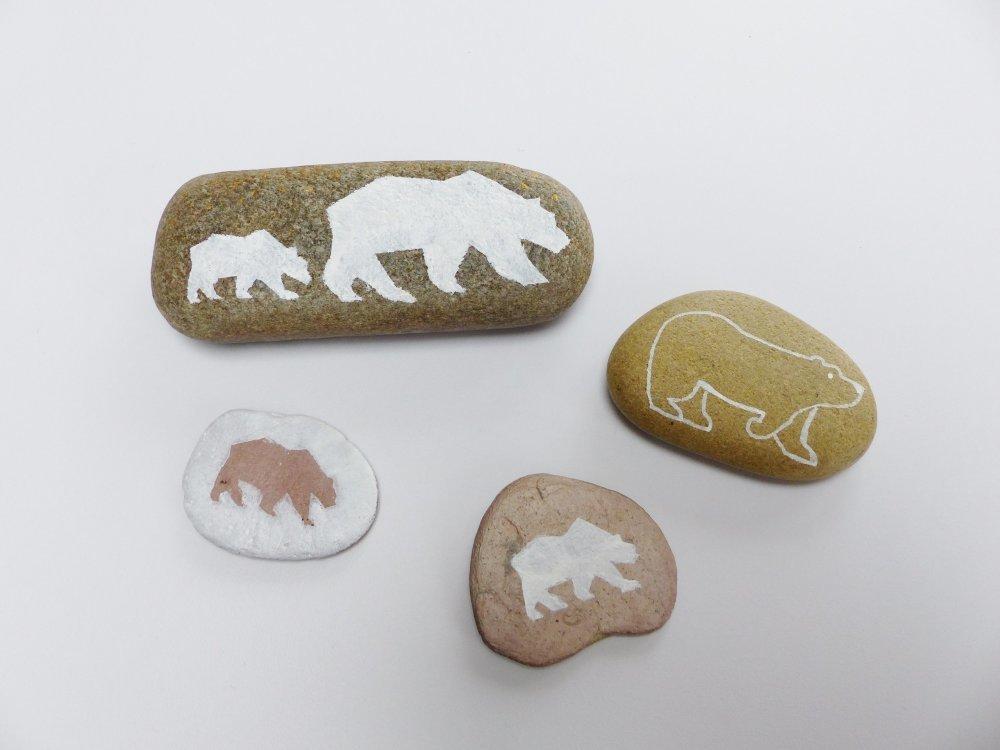 4 painted rock OURS animal blanc galet pierre peinte à la main décoration hiver Noël original et unique